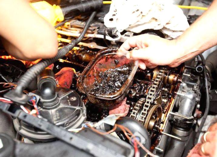Картинки по запросу Двигатель расходует много масла: как бороться с масложором?