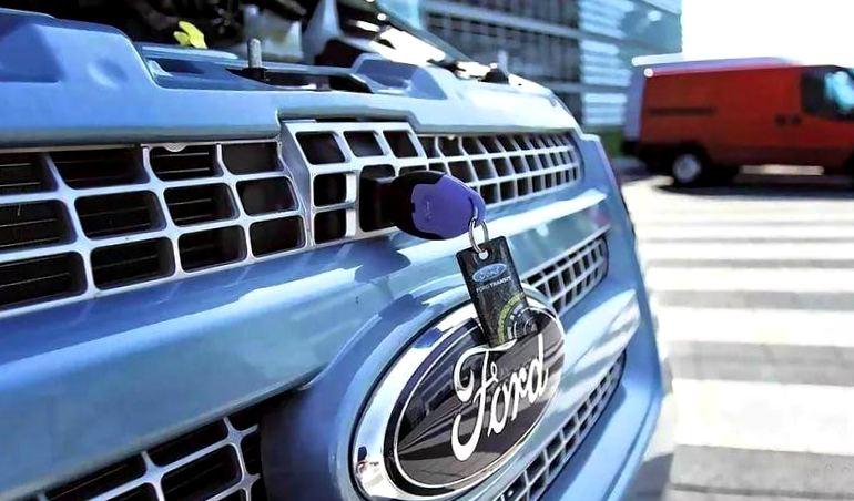 Ford придумал, как заливать «омывайку», не открывая капот