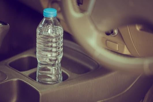 9 вещей, которые никогда не должны делать покидая машину