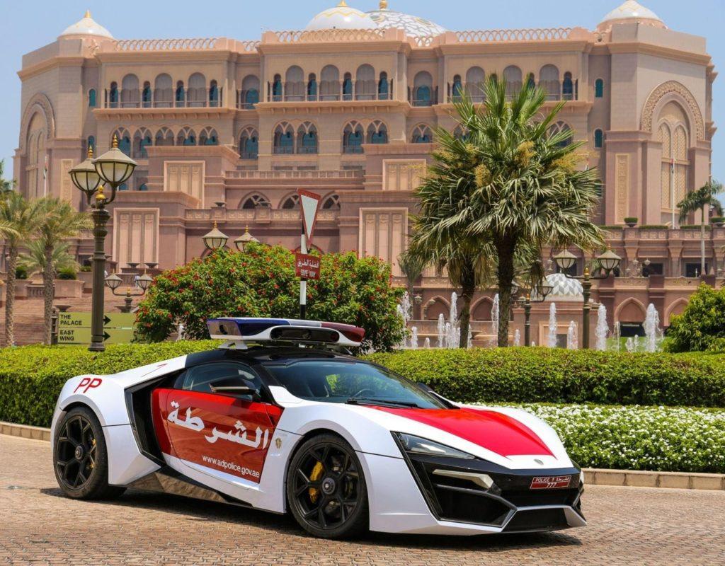 C:\Documents and Settings\Пользователь\Рабочий стол\ЗАКОНОДАВСТВО\2015 W Motors Lykan HyperSport by Dubai Police 008.jpg