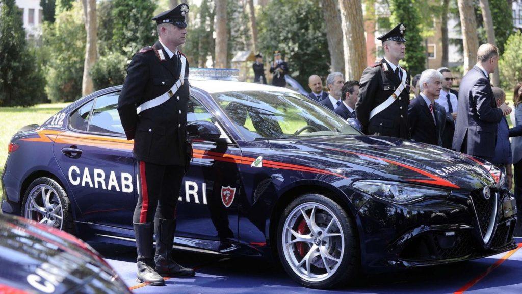 C:\Documents and Settings\Пользователь\Рабочий стол\ЗАКОНОДАВСТВО\Alfa Romeo Giulia Carabinieri_8.jpg