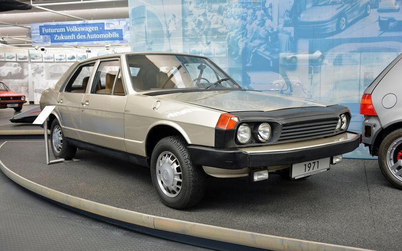https://www.autocentre.ua/wp-content/uploads/2020/04/7-ronan-glon-volkswagen-museum-1971-esvw-1-7.jpg