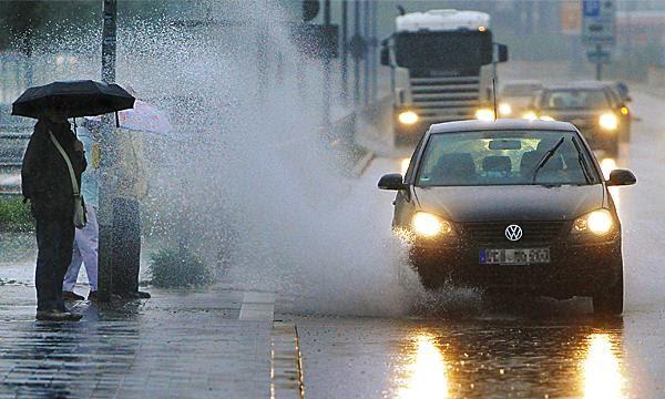 Автомобилистов будут штрафовать за облитых грязью пешеходов ...
