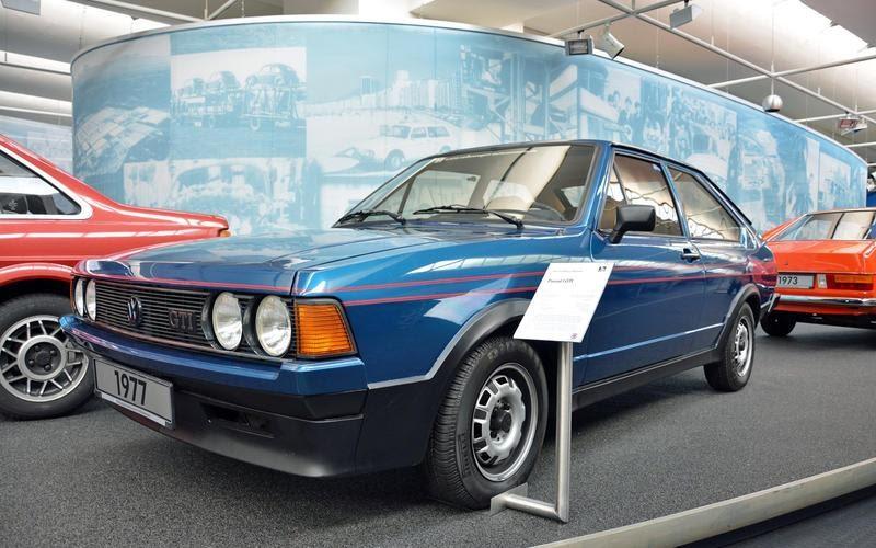https://www.autocentre.ua/wp-content/uploads/2020/04/14-ronan-glon-volkswagen-museum-1977-passat-gti-7.jpg
