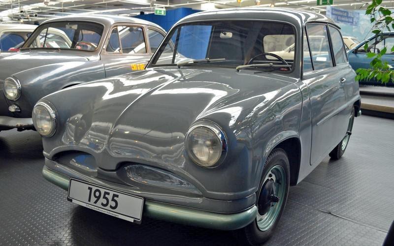 https://www.autocentre.ua/wp-content/uploads/2020/04/1-ronan-glon-volkswagen-museum-1955-ea-48-1-8.jpg