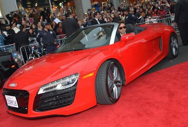 Роберт Дауни прибыл на Audi R8 Spyder | Ежедневный информационный ...