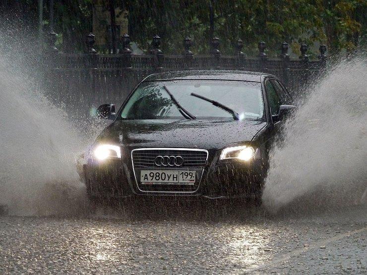 Как не разбиться во время дождя - Лайфхак - АвтоВзгляд