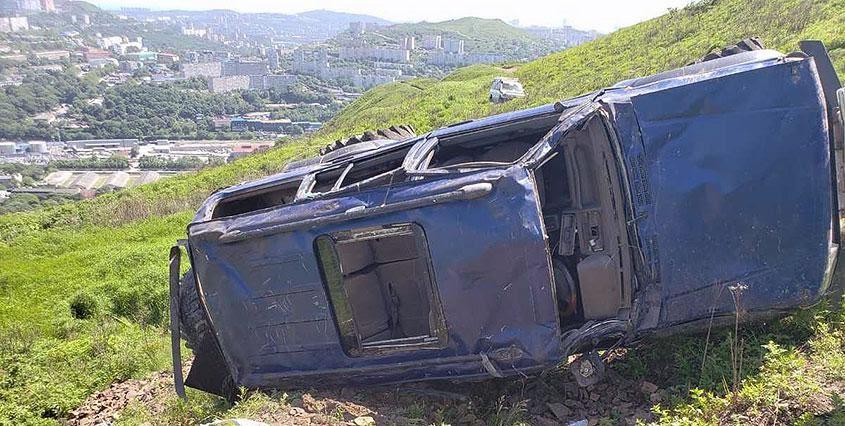 Кувырок» джипа с холма во Владивостоке попал на видео