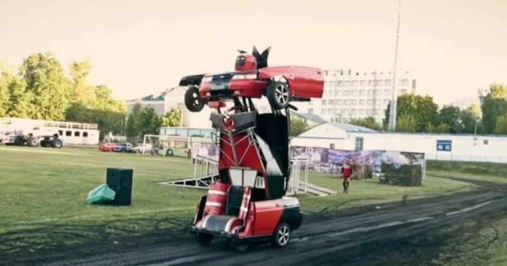 Владелец ВАЗ 2110 сделал из него робот-трансформер с пулеметами ...