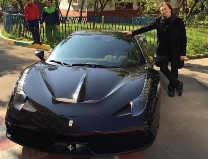 Машина просто должна ездить»: какой автомобиль есть в гараже ...