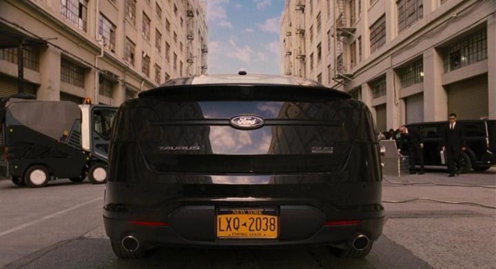 D:\Индивид\2010-Ford-Taurus-SHO.jpg