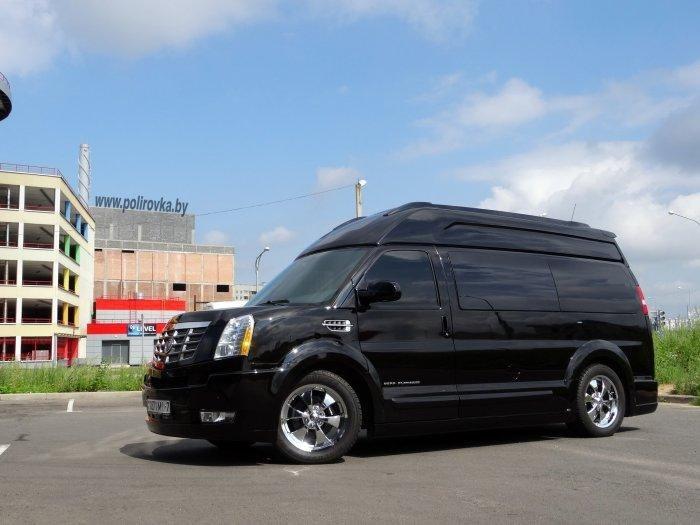 Российские мастера превратили Chevrolet Express в роскошный офис ...