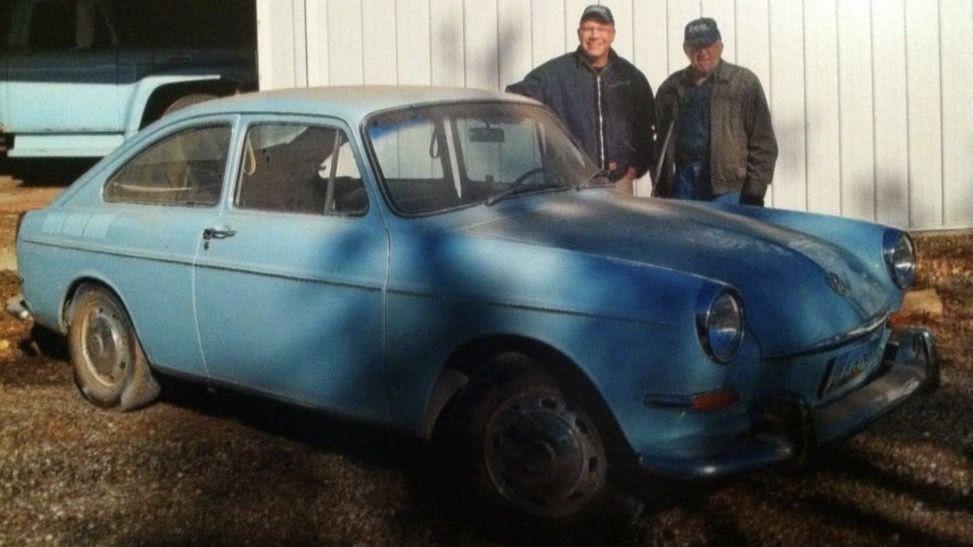 Американец 38 лет пытался выкупить старый VW своего отца. И у него ...
