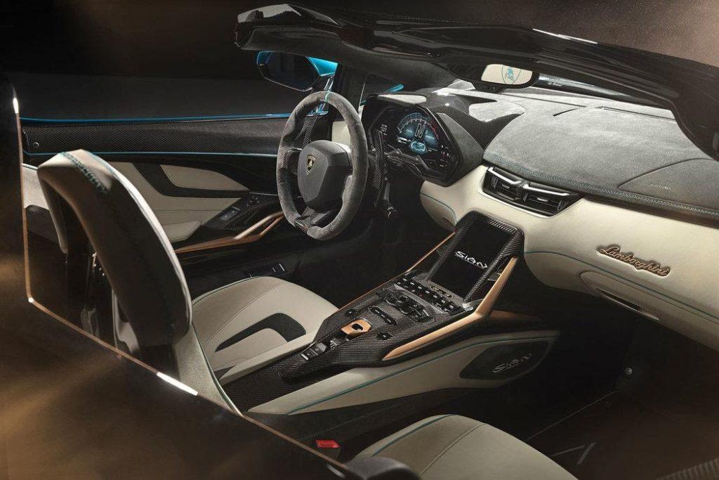 Lamborghini Sián Roadster: Hybridní otevřená lahůdka pro 19 ...
