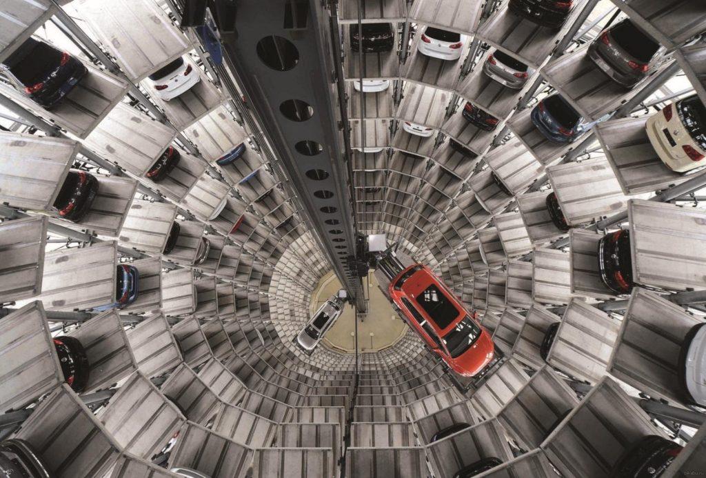 В Симферополе хотят создать многоуровневые парковки, но есть проблемы