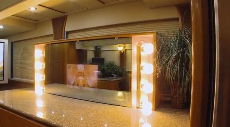 15 особенностей огромного дома на колесах Уилла Смита