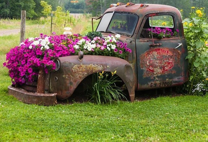 Клумба из старого автомобиля | ВКонтакте