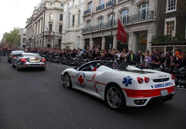 Фото №8 - 10 необычных профессий для Ferrari: скорая помощь, полиция и другие